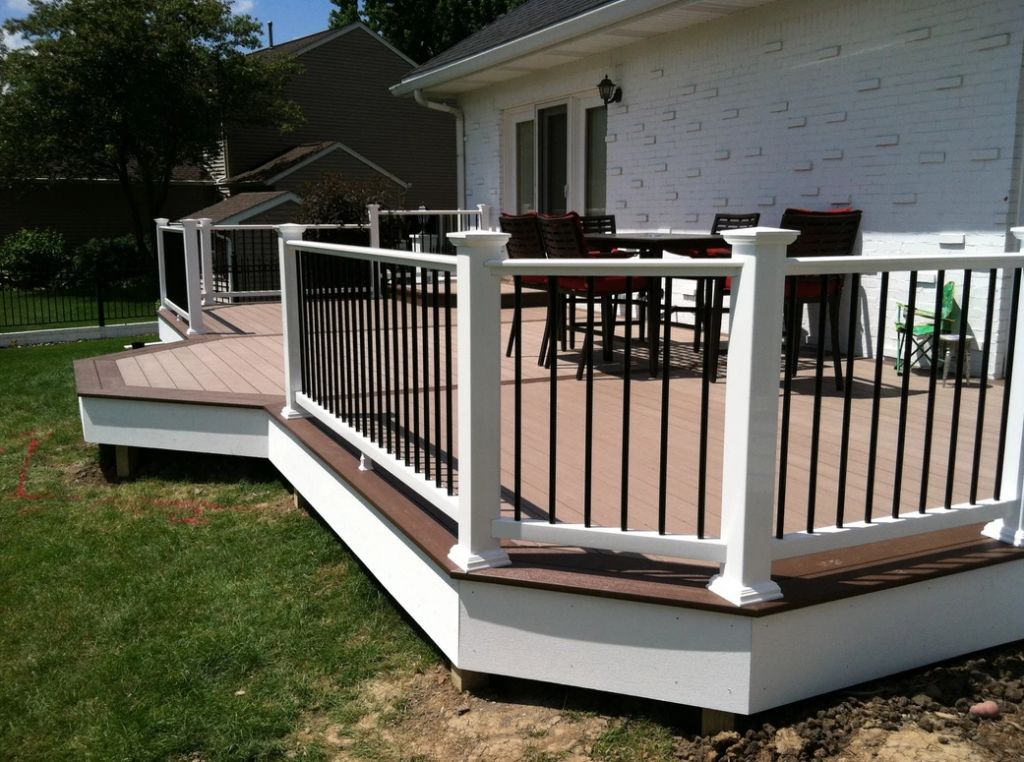 Floating Deck built by Deck Builders Columbus